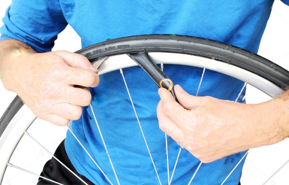 תיקון פנצר באופניים חשמליות